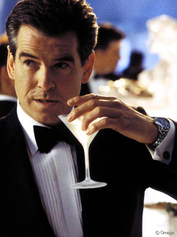 Pierce Brosnan, un vodka martini à la cuillère et une omega Seamaster