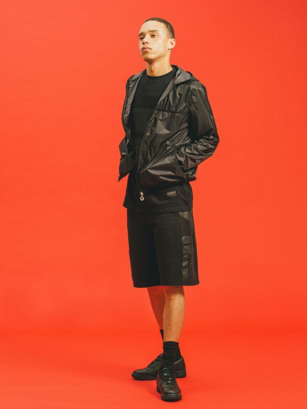 Mi-chemin entre le sportswear et le streetwear vintage