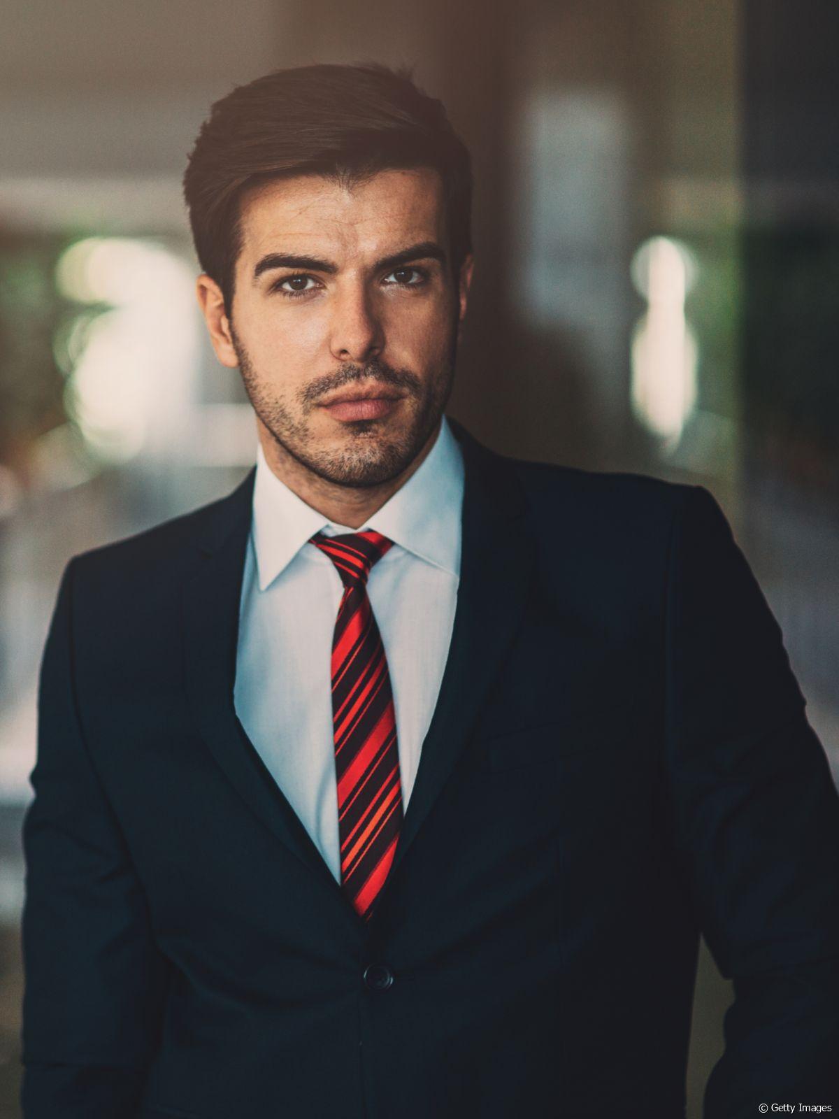 Audacieuse Cravate ou noeud papillon avec le costume ? - Cézigue SD-41