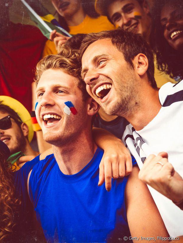Des supporters français à un match de football.