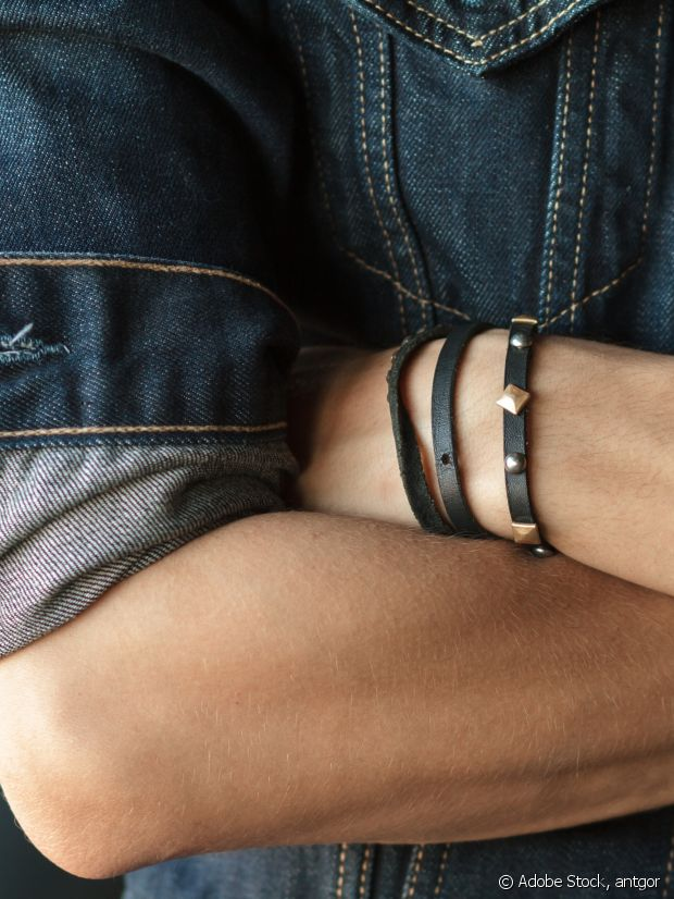 Un bracelet en cuir pour un look rock ?