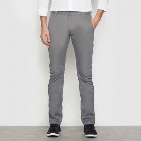 Pantalon chino marina slim twill. dockers gris